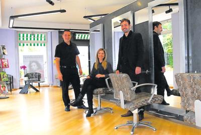 Bild bei Übernahme mit Hector, Grimm und der Geschäftsführerin